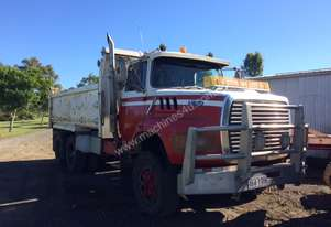 Ford   L8000 tipper