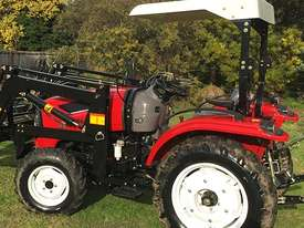 New Huaxia 40hp Tractor, with 4in1 front end loader  - picture7' - Click to enlarge