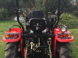New Huaxia 40hp Tractor, with 4in1 front end loader  - picture11' - Click to enlarge