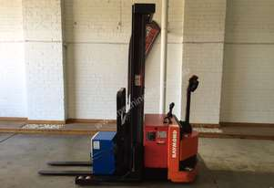 Raymond RRS-R30TN Walkie Reach Truck, 3810mm, low 888 hours,