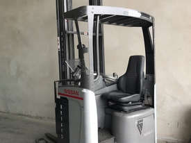 Reach Truck 7m Lift Height Nissan UMS Low Hours Battery Electric - picture2' - Click to enlarge