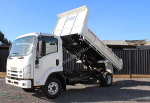 2008 isuzu FRR 500 TIPPER ONE OWNER FROM NEW LOW KM ONLY 178000 KM SOLD WITH RWC 3 MONTH REGO