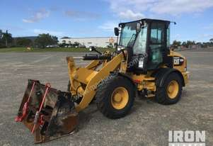 Caterpillar 2015 Cat 908M Wheel Loader