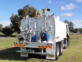 ISUZU 8X4 WATER TRUCK WT18000 - picture3' - Click to enlarge