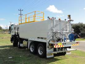 ISUZU 8X4 WATER TRUCK WT18000 - picture1' - Click to enlarge