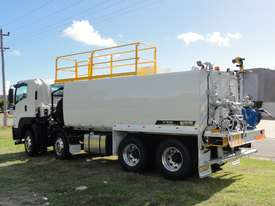 ISUZU 8X4 WATER TRUCK WT18000 - picture16' - Click to enlarge