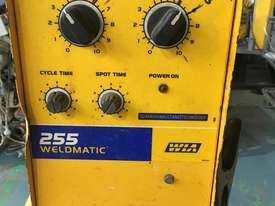 WIA MIG Welder Weldmatic 255 Single Phase 240 Volt with Seperate 255 Wire Feeder 240 amp - picture0' - Click to enlarge