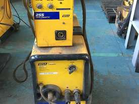 WIA MIG Welder Weldmatic 255 Single Phase 240 Volt with Seperate 255 Wire Feeder 240 amp - picture2' - Click to enlarge
