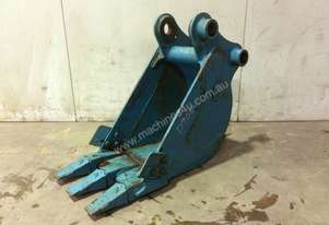 UNUSED 390MM DIGGING BUCKET TO SUIT 11-15T EXCAVATOR D908