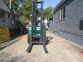 Mitsubishi 1.8 ton LPG good Used Forklift - picture2' - Click to enlarge