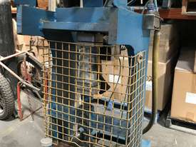 Pneumatic press - picture0' - Click to enlarge