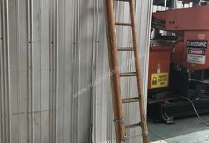 Kennet Extension Ladder 2.4 to 4.1 Meter Wooden Industrial Quality
