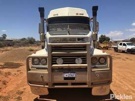 1999 Mack Trident CLS - picture1' - Click to enlarge