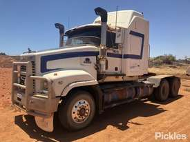 1999 Mack Trident CLS - picture2' - Click to enlarge