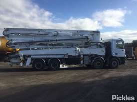 1999 Mercedes-Benz Actros 3240 - picture8' - Click to enlarge