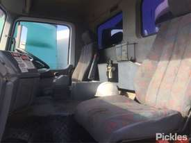 1999 Mercedes-Benz Actros 3240 - picture10' - Click to enlarge