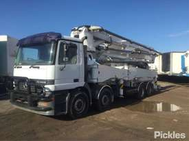 1999 Mercedes-Benz Actros 3240 - picture2' - Click to enlarge