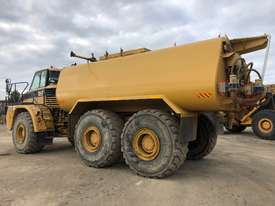 2006 CATERPILLAR  740 ARTICULATED WATER TRUCK - picture2' - Click to enlarge