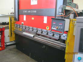 CMT 2500 x 40 Ton Hydraulic Pressbrake - picture1' - Click to enlarge