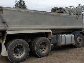 2000 Scania Twin Steer Alloy Tipper.  E.M.U.S. TS457 - picture2' - Click to enlarge