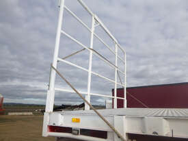 Freighter Semi Drop Deck Trailer - picture2' - Click to enlarge