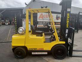 Hyster Forklift 3 Ton 3700mm lift 2002 model Side shift Fresh Paint Only $9999+gst - picture0' - Click to enlarge