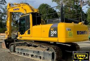 2013 Komatsu PC300LC-8, new tracks, one owner. E.M.U.S MS606