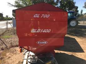 Kuhn Axera M 1102 - picture3' - Click to enlarge