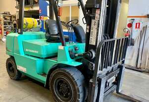 4.0 Tonne Contaner Mast Forklift - For Sale