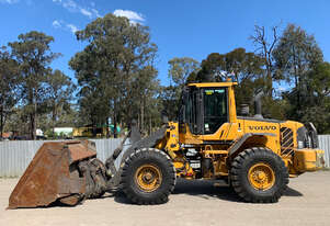 Volvo L90F Loader/Tool Carrier Loader