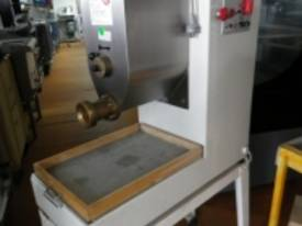 IFM SHC00354 Used Pasta Maker - picture0' - Click to enlarge