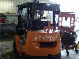 Toyota 62-7FDK25 COMPACT FLAME PROOF ZONE 1 CLASS - picture0' - Click to enlarge