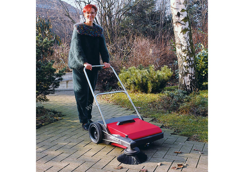 PUSH SWEEPER  HS680