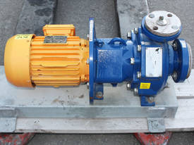 Techniflo PTFE lined Chemical Process Pump TB1.5X1 - picture0' - Click to enlarge