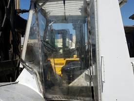 Hyster H300B - 3 High Container Stacker