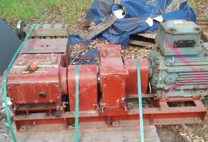 TRIPLEX PISTON PUMP