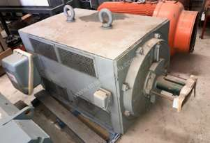 335kw 10 pole 590 rpm 3300v Toshiba electric motor