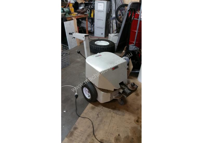 Electrodrive Industrial Vehicle Tug - towing unit