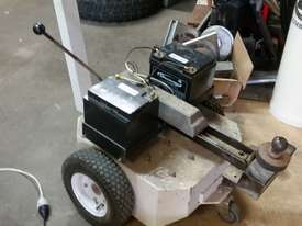 Electrodrive Industrial Vehicle Tug - towing unit - picture2' - Click to enlarge