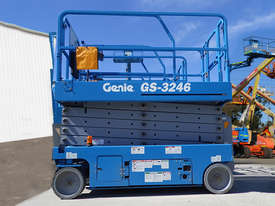 2011 Genie GS-3246 Scissor Lift - picture0' - Click to enlarge