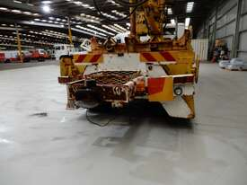 International Acco 1950C Crane Borer Truck - picture2' - Click to enlarge