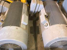 840 kw 1100 hp 4 pole 3300 volt AC Electric Motor - picture4' - Click to enlarge