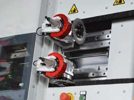 Casadei Industria Alu Ranger 4221 V-Groove Vertical CNC Machining Centre - picture6' - Click to enlarge