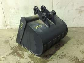 UNUSED 700MM GUMMY BUCKET TO SUIT 3-4T EXCAVATOR D947 - picture0' - Click to enlarge