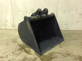 UNUSED 700MM GUMMY BUCKET TO SUIT 3-4T EXCAVATOR D947 - picture1' - Click to enlarge