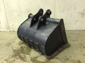 UNUSED 700MM GUMMY BUCKET TO SUIT 3-4T EXCAVATOR D947 - picture2' - Click to enlarge