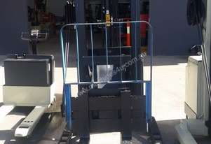 Crown 20MT Heavy Duty Walkie Stacker