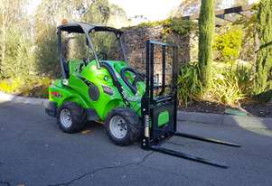 Avant 523 Mini Loader W/ Flip up Forks