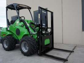 Avant 528 Wheel Loader for Beekeepers - picture5' - Click to enlarge