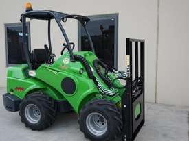 Avant 528 Wheel Loader for Beekeepers - picture10' - Click to enlarge